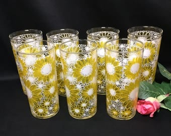 Vintage Mod Daisy Glasses yellow and white Tumblers  - set of 7