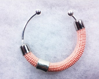 Bangle in Lisle's crochet worked ++ Matitie pink ++