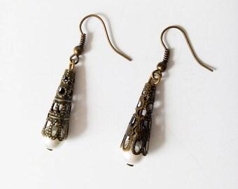 Bronze Pearl Earrings white