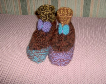 For adult booties way staggered with multiple thread colors