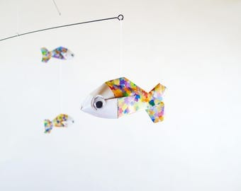 Baby 5 origami mobile spotted fish multicolor to decorate a room