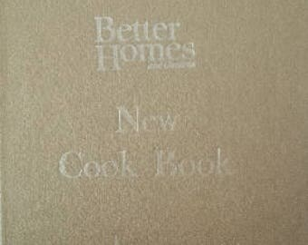 "Better Homes and Gardens New Cook Book Gold Cover ""Souvenir Edition"" 1960s D238"