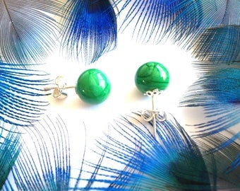 Sterling Silver Earrings and emerald green beads for women. Lampwork Glass Beads