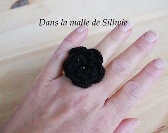Black crochet flower ring and glass beads