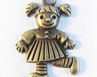 10 charms bronze little girl