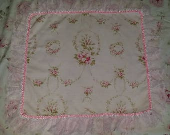 GORGEOUS DOILY SHABBY CHIC PINK AND WHITE WITH TWO LACES