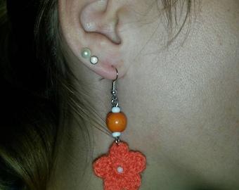 Hand made / orange flower earrings crochet and wooden beads