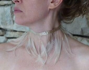 """Ribbon fringe necklace beige feathers """"Cheyenne"""""""