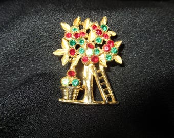 Summers Harvest goldtone and green and red glass stone brooch