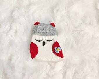 Holiday present pin, holiday brooch, winter brooch, animal pin, cute owl jewelry, owl lower jewelry, cute bird pin, cute christmas pin
