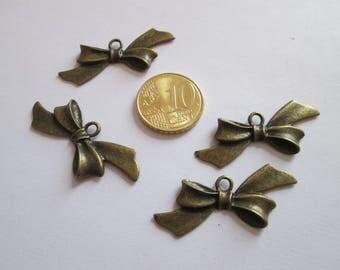 4 breloque noeud ruban en métal couleur bronze 39 X18 mm