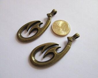 2 pendentif crochet tribal en métal couleur bronze 52 x 20 mm