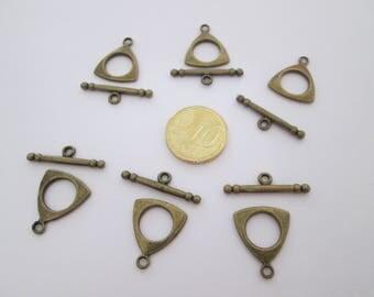 6 fermoir toggle triangle en métal couleur bronze antique 19x 16 mm