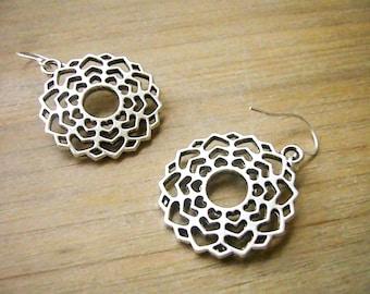Silver Filigree Earrings, Lace Earrings, Silver Heart Earrings, Bridesmaid Gift, Boho Earrings, Mandala Earrings, Rustic Wedding Jewelry