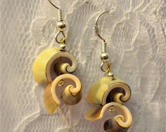 Shell Pearl and Silver earrings solid 925 Sterling