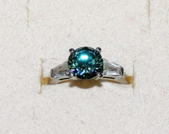 Vintage 10K White Gold Green/Blue Moissanite With CZ Accents Engagement Ring Size 6.75 TCW 2.50 cts 3.01 Grams