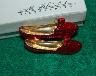 "Ruby Red Slippers Brooch 2"" Red Glitter Enamel Vintage nice"