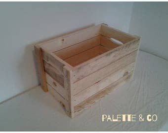 Small wooden pallet