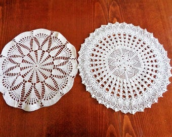 Vintage Crocheted Doilies, Ecru Crocheted Doilies, Round Doilies, Round Crochet Tablecloth, Wedding Decor, Mid century Decor