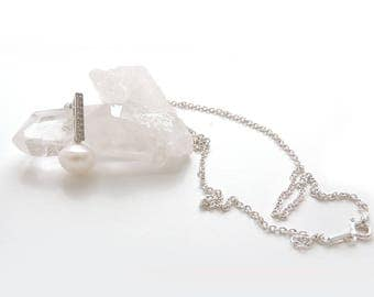 Pendant with cubic zirconia and Pearl on a pretty silver chain