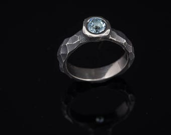Contemporary engagement ring - Sterling silver ring - Sky blue topaz ring - Faceted ring