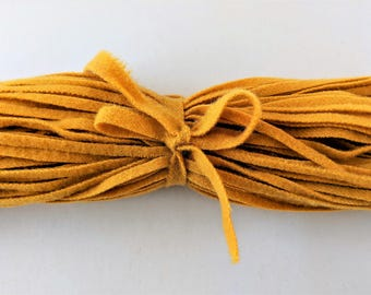 """Dorr Mill Wool Strips Marigold Color Number 30-5 100 Strips 18"""" Long for Rug Hooking from Fine Quality Wool Hand Cut on Number 6 Blade"""