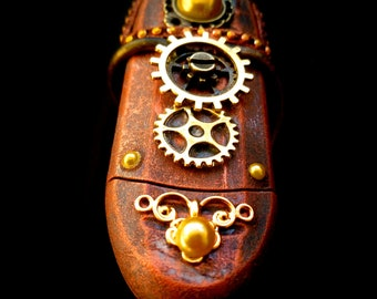 STEAMPUNK USB Card Reader customised / steampunk gadget / SD / Micro sd etc / fully working / plug and play / cosplay