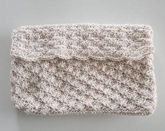 Handmade crochet clutch (ecru)