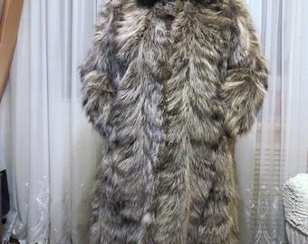 Шуба , енот, Размер 2XL, как черно-бурая лиса,натуральный мех, зима, пушистый мех.