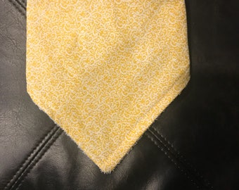 Bandana Bib (Yellow Paisley)