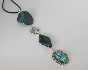 Original vertical necklace in turquoise and black acrylic, silver and cabochon turquoise and white.