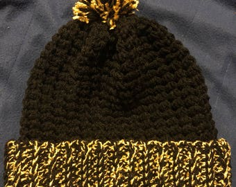 Beanie with team colors