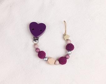 "Pacifier Purple with a Häckelperlen and a motif pearl ""krone"""