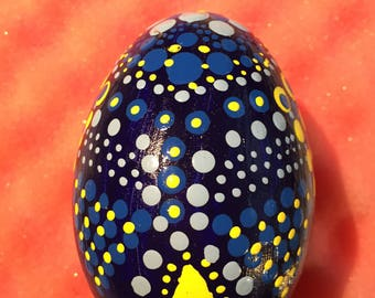 Duck hand Painted-easter egg-Mandala Egg-Dotpainting