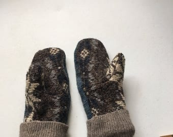 Fleece lined sweater mittens