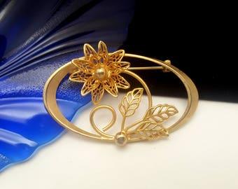 Vintage Goldtone Oval Flower Pin