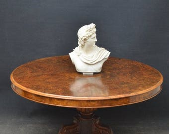 SN4022 Fine quality and very attractive Victorian burr walnut centre table