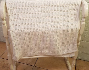 Crocheted White Bany blanket Vintage Style