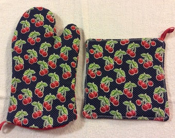 Cherry Oven Mitt and Hot Pad