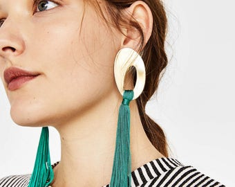 Long earrings with fringe