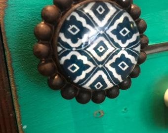 Metal and Glass Door/Drawer knobs