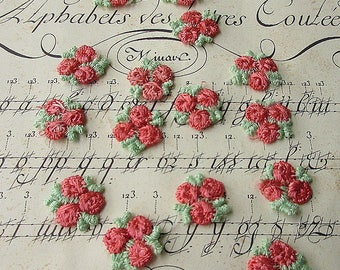 12 Venise Rosebud Rose Bud Appliques In Coral And Pale Green Old Store Stock