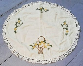 Large hand embroidered cotton table linen. Floral dresser scarf. Vintage table linen.
