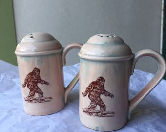 Small Ceramic Big Foot/Sasquatch Pink Hue with Blue Salt and Pepper Shakers