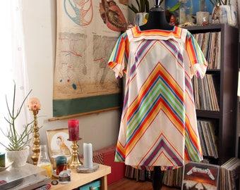 vintage plus size rainbow stripe dress, approx size 4x 5x