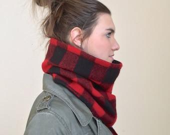 LUMBERJACK wool cowl scarf, unisex red and black plaid wool infinity scarf, mens wool neck warmer