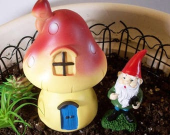 SALE 20% MINIATURES Gnome and his little house: mini gardens or terrariums