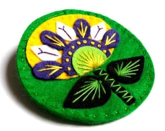 HALF PRICE Summer Sale Scandi Flower felt brooch pin with freeform embroidery - scandinavian style