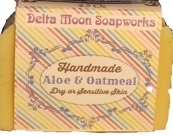 Handmade Aloe and Oatmeal unscented Goat Milk Soap, All Natural Soap, Honey Oatmeal Soap, for sensitive skin, fragrance free , ready to ship