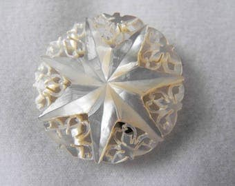 Vintage Brooch, Star Design, White Mother-of-Pearl, Delicate, ca 1950s NT-1454